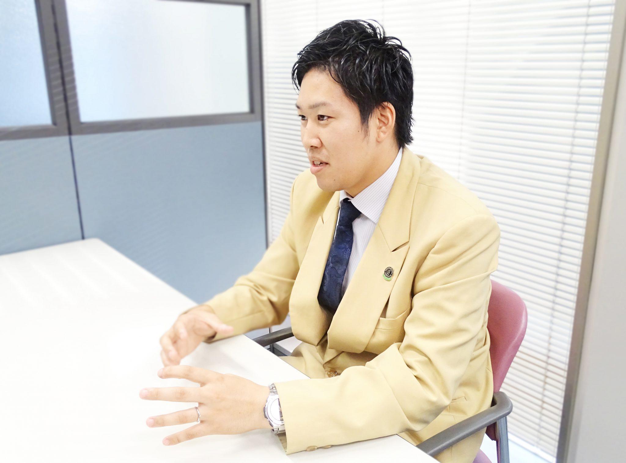 シーカーズインタビューを受ける吉川 宗一さん