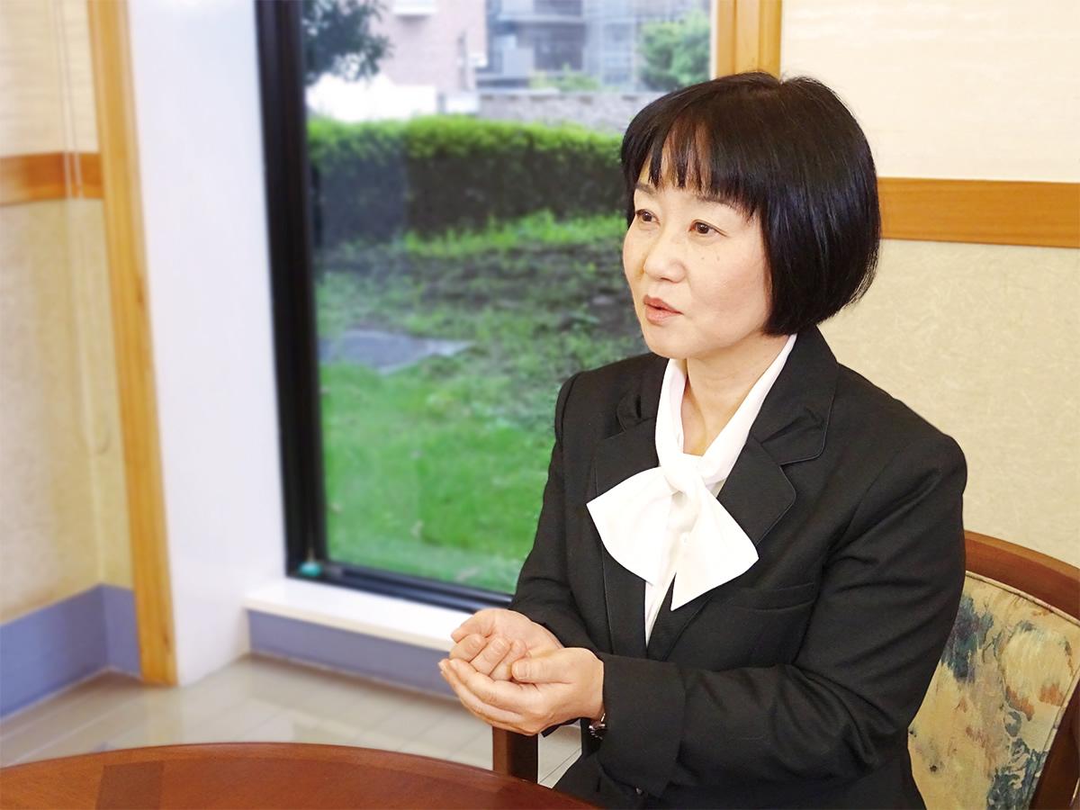 シーカーズインタビューを受ける菊池 由紀子さん